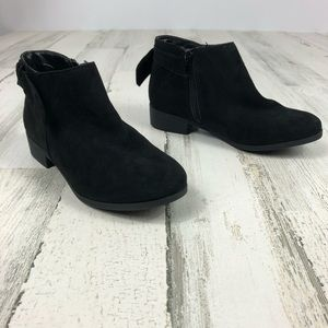 Nine West black boots size 2